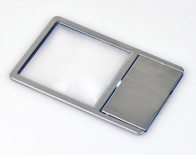 極薄カード型拡大鏡LED付き画像